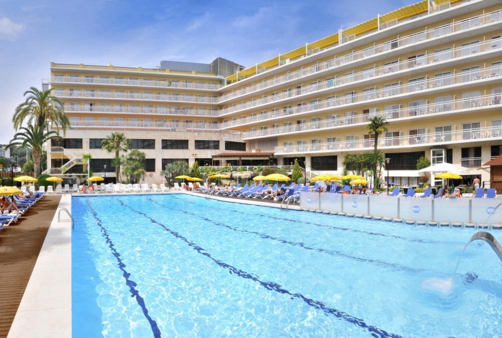 Escapada familiar al hotel oasis park spa ofertas for Hotel spa familiar