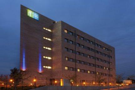 Escapada experiencia camp nou en el hotel holiday inn express barcelona sant cugat 3 - Spa sant cugat ...