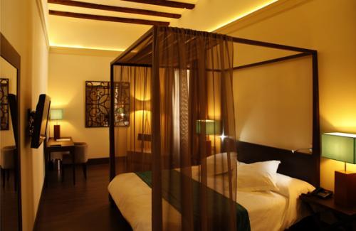 San valent n en el hotel spa mart n el humano 4 ofertas for Hoteles con habitaciones en el agua
